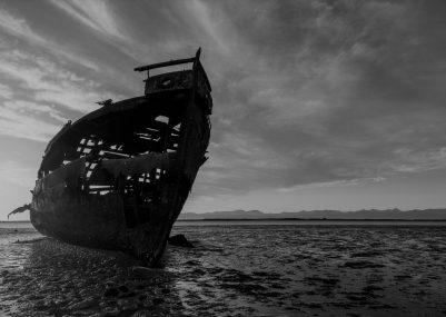 photography_nature_ship_abandoned_rocks_sky_broken_sunset-44215 (1)